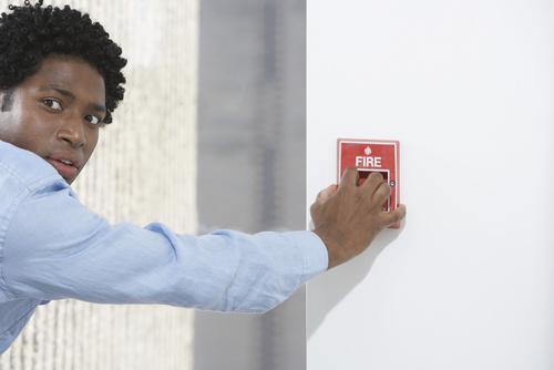 comment se pr parer aux exercices d 39 vacuation incendie ssiap. Black Bedroom Furniture Sets. Home Design Ideas